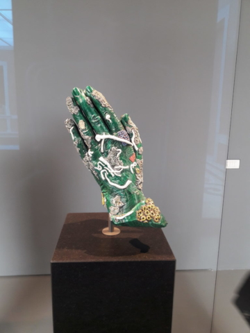 damien hirst hand in pray